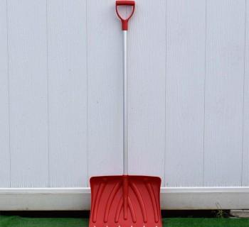 Лопата для снега с алюминиевым черенком большая