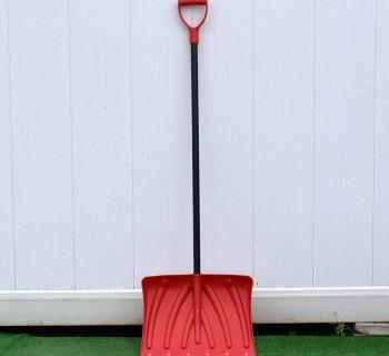 Лопата для снега со стальным черенком большая