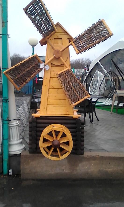 Мельница декоративная с водяным колесом
