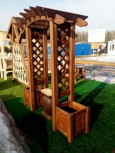 Садовая арка с кашпо