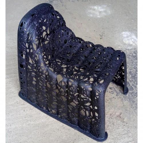 """Дизайнерское кресло из базальта """"BAD BOY Chair"""""""
