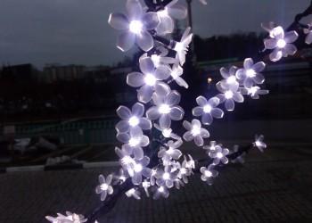 Дерево светодиодное вишня